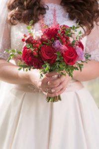 весільний букет бордовий